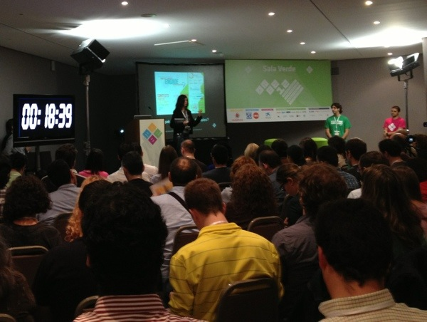 Clara Ávila @ClaraAvilaC y Alfredo Solá @Cantorrodista en #EBE12